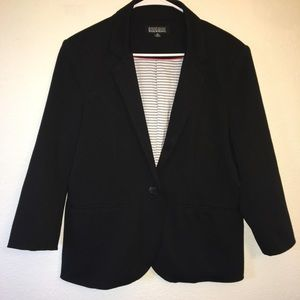 Nicole Miller Black blazer. Size XL